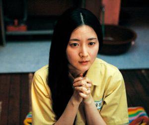 Geum-ja praying